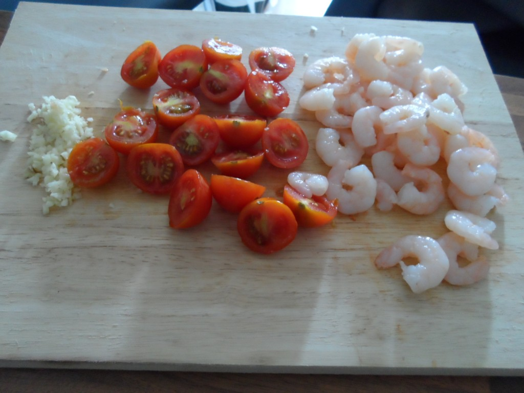 sliced prawns and garlic