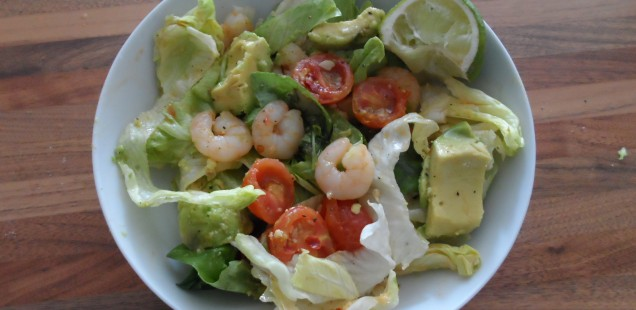 Prawn and avocado chilli salad